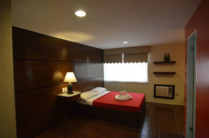 Deluxe Couples Room 1